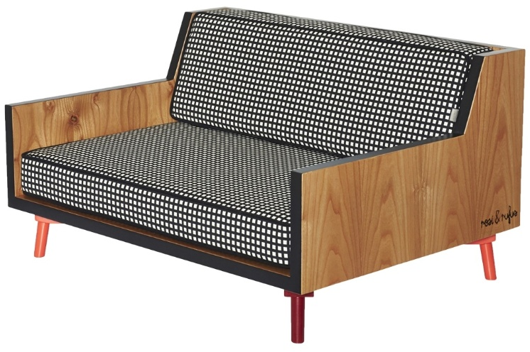 Com linhas contemporâneas, o sofá Roxi Dog é uma peça de design. Com estrutura em MDF e estofado revestido com tecido lavável, pode ser encomendado na Suzzuu.