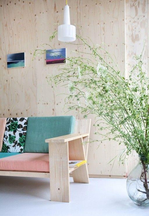 Usando madeira compensada (SIM , madeira compensada ) para sua parede de madeira. Super barato, fácil, durável, e todos vão dizer: Uau!