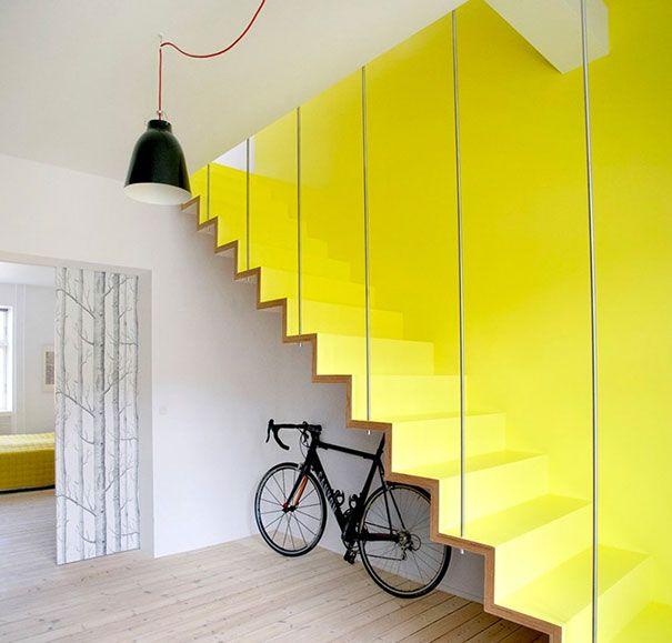 Escada Amarela